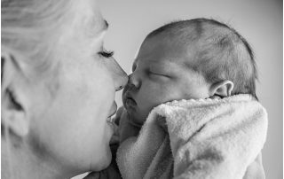 First-Glimpse-newborn-photography-gold-coast