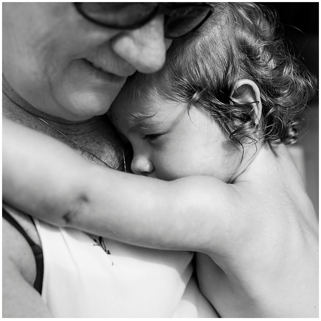 Grandparent-cuddles-with-toddler-documentary-family-photography-gold-coast