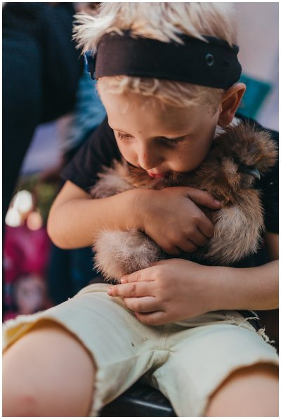 documentary-photography-kids-holding-chickens-gold-coast-show-2018