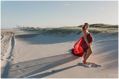 Beautiful-full-bloom-pregnant-woman-on-the-sand-dunes-at-the-spit-gold-coast-maternity-photography