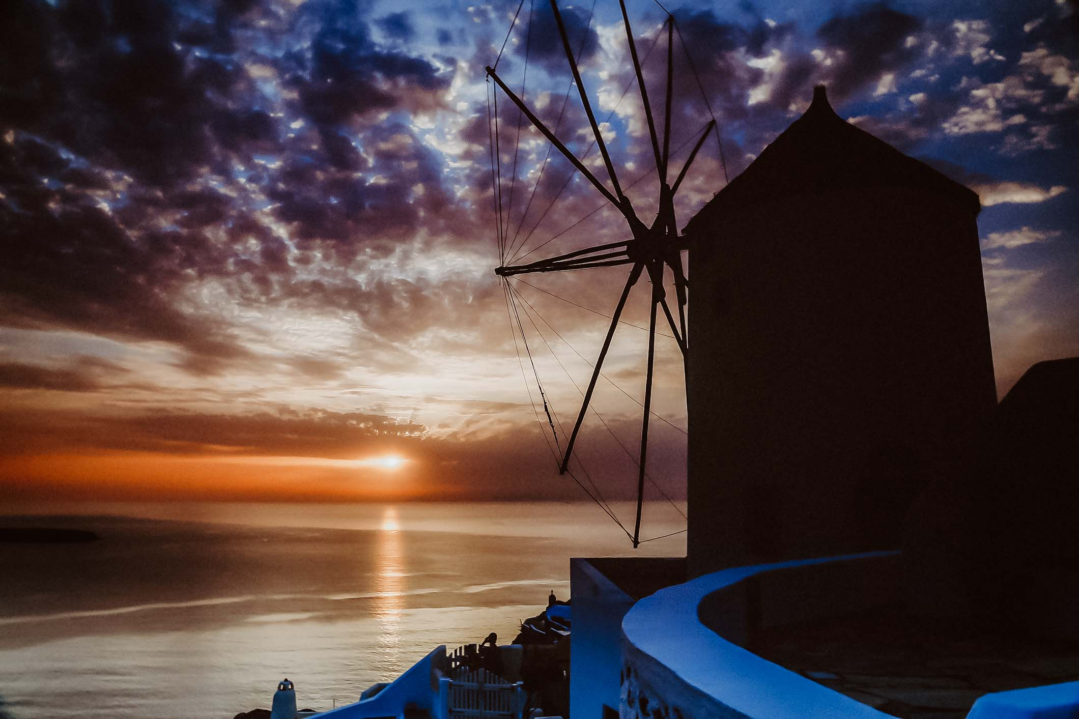 blog-image-sunset-Oia-Santorini-Greece-windmill
