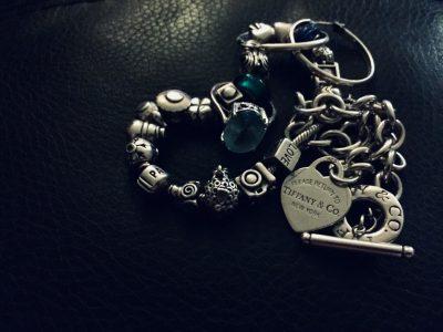 blog-image-silver-braclet-tiffanys-heart-lock