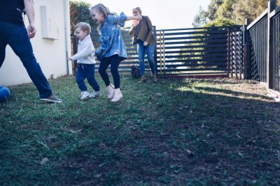 Family-playing-backyard-soccer-gold-coast-family-photography