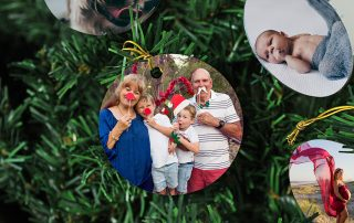 a-cute-xmas-ornament-showing-a-fun-photo-of-grandparents-with-their-grandkids